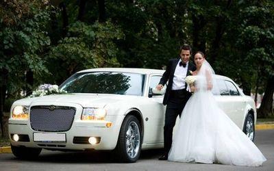Аренда свадебных автомобилей с водителем: Аренда свадебных автомобилей