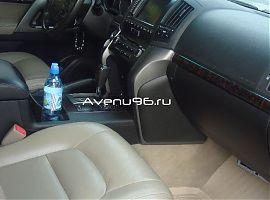Прокат, аренда автомобилей: Тойота Ленд Круйзер 200 Екатеринбург