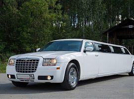 Заказ, аренда лимузина Крайслер 300С Екатеринбург