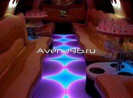 Прокат лимузинов в Екатеринбурге: Инфинити QX56