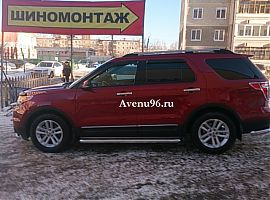 Аренда красного автомобиля Форд Эксплорер Спорт