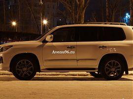 Заказ внедорожника с водителем в Екатеринбурге