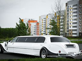 Аренда лимузина Линкольн Эскалибур в Екатеринбурге