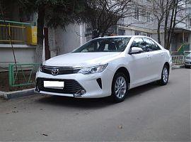Прокат Тойота Камри рестайлинг с водителем в Екатеринбурге