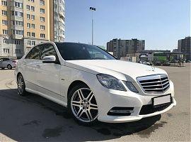 Заказ белой машины на свадьбу Мерседес Е212 Екатернбург